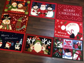 3x RANDOM NON SLIP CHRISTMAS MATS 40x60CM ALL CHOSEN  RANDOMLY.WASHABLE, XMAS